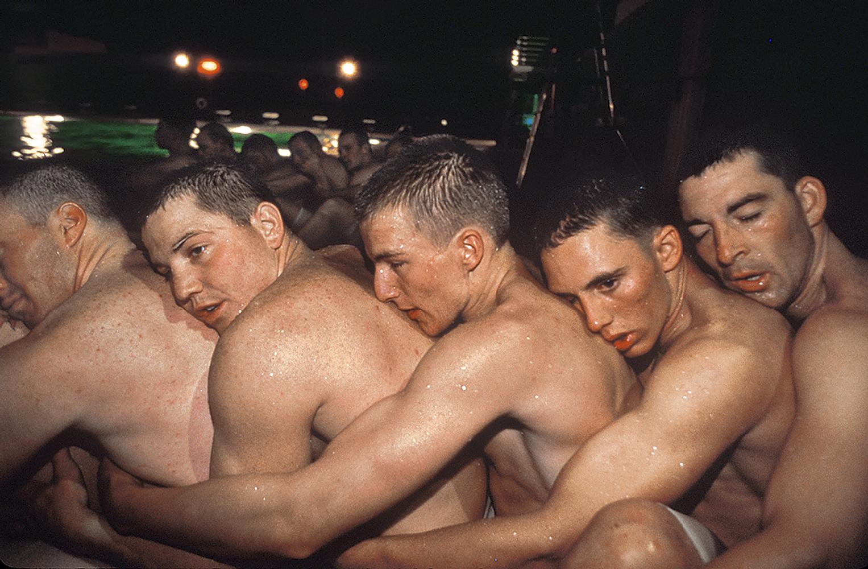 голые курсанты порно